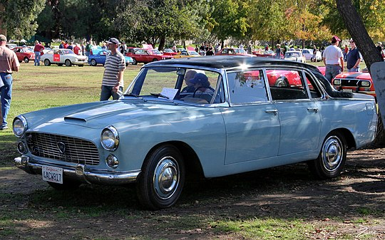 pictures/images/540px-1966_Lancia_Flaminia_Berlina_-_blue_black_-_fvl.jpg