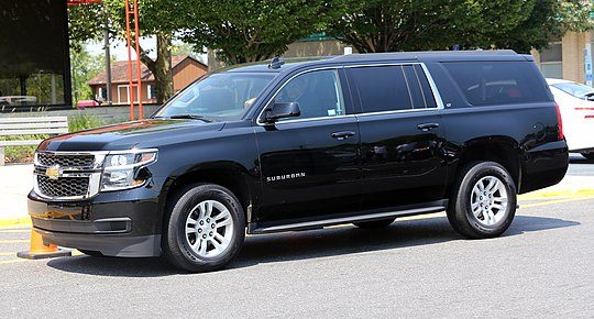 pictures/images/540px-2015_Chevrolet_Suburban_LT_in_black%2C_front_left_side_view.jpg