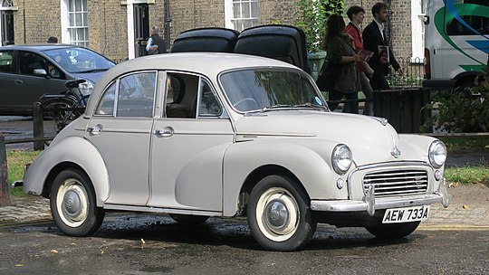 pictures/images/540px-Morris_Minor_1000_in_New_Square_first_registered_February_1963_948cc_and_an_icon.jpg